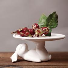 """Подставка под торт из керамики """"Лежачий зайчик"""", 25,5 см"""
