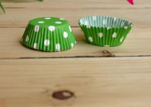 Бумажные капсулы зеленые в белый горох, 10 шт.