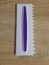 Скребок пластиковый с прорезиненной вставкой № 1